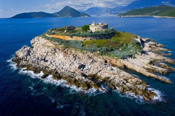 yacht-rent-montenegro-fort-mamula-dreamsail.me